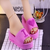 夏季韓版時尚心形松糕跟坡跟涼拖鞋女厚底拖鞋【時尚大衣櫥】