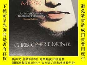 二手書博民逛書店Beneath罕見the mask: An introducti