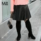 Miss38-(現貨)【A07461】大尺碼短裙 黑色PU皮裙 A字傘擺 半身裙 後腰鬆緊(內附安全褲)-中大尺碼女裝