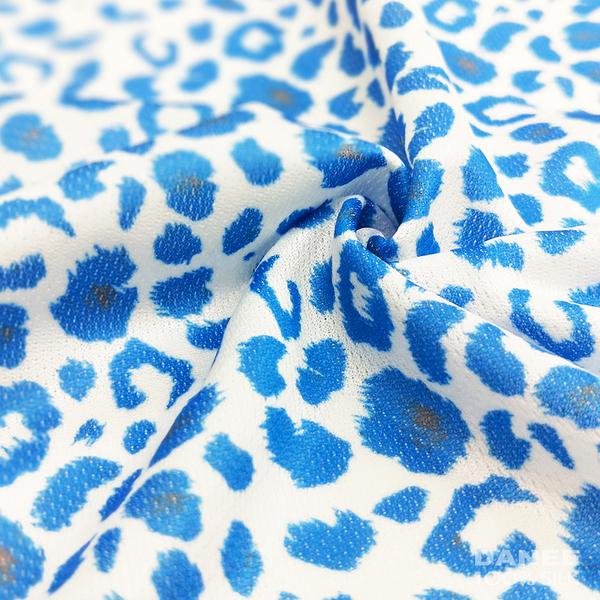 【岱妮蠶絲】印花低腰三角蠶絲內褲(藍豹紋)