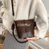 質感復古包包女2021新款潮時尚百搭ins單肩斜背包水桶包 快速出貨