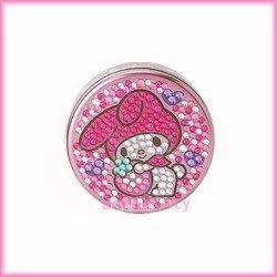 家用【asdfkitty】美樂蒂抱草莓圓形亮鑽收納盒/置物盒/隨身藥盒-日本版正版