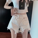 短褲 白色破洞牛仔短褲女高腰熱褲2021年新款顯瘦寬松毛邊a字闊腿褲子 全館免運