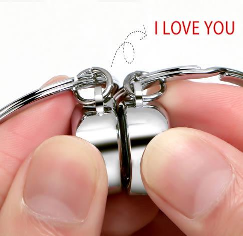 鑰匙圈 小信封說話情侶鑰匙扣錬一對 會髪聲創意可愛禮物     唯伊時尚
