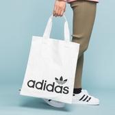 J- adidas Shopper 手提袋 購物袋 側背 休閒 白 托特包 字樣LOGO 三葉草 米白 黑字 FT8539