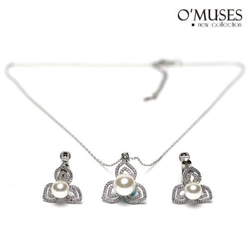OMUSES全尺碼 * 珍珠花朵項鍊+耳環組*