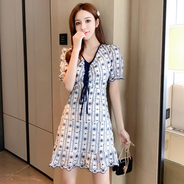超殺29折 韓國風復古泡泡袖收腰顯瘦刺繡荷葉邊短袖洋裝