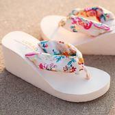 路拉迪波西米亞絲綢人字拖坡跟厚底防滑高跟沙灘女士涼拖鞋韓     俏女孩
