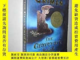 二手書博民逛書店The罕見Graveyard Book 墳場之書 by Neil