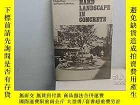 二手書博民逛書店Hard罕見Landscape in ConcreteY3464