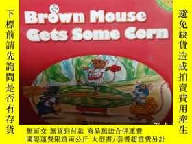 二手書博民逛書店Brown罕見mouse gets some corn..Y12