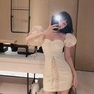 裙子女裝輕熟風方領泡泡袖洋裝2020新款夏性感修身顯瘦包臀短裙-鹿角巷