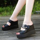 夏季新款一字拖涼鞋優雅淑女坡跟拖鞋女厚底鬆糕高跟時尚涼拖 草莓妞妞