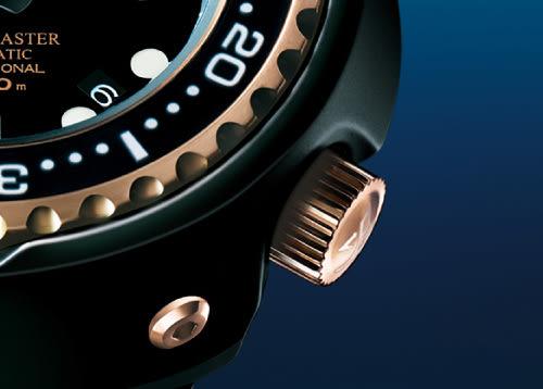 SEIKO 精工 PROSPEX 鈦 海洋大師1000米潛水錶-黑x玫瑰金 8L35-00H0K(SBDX014G)
