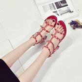 高跟涼鞋女夏2018新款歐美時尚鉚釘波西米亞丁字扣帶粗跟羅馬鞋潮 挪威森林