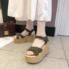 網紅涼鞋女夏2021新款仙女風高跟坡跟防水臺松糕厚底壹字帶羅馬鞋