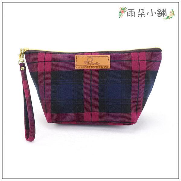 化妝包 包包 防水包 雨朵小舖 M286-006 經典最大化妝包-格紋紅01001 funbaobao