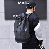 登山背包 雙肩水桶抽繩背包帆布大容量行李戶外旅行登山運動籃球書包