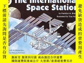 二手書博民逛書店The罕見International Space Station (let s-read-and-find-out
