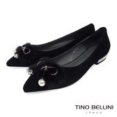Tino Bellini華麗毛海飾釦尖頭娃娃鞋_黑 VI8569