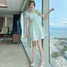 VK精品服飾 韓系素色優雅小清新碎花印花泡泡短袖洋裝