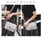 女士小包包女新款潮時尚側背簡約百搭斜背包