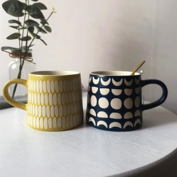 馬克杯 日式ins 風陶瓷杯帶蓋勺復古手繪情侶款家用馬卡龍水杯別樣馬克杯 歐歐