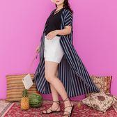 Poly Lulu 俐落時髦直條紋長版罩衫-深藍【93090024】