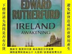 二手書博民逛書店英文原版罕見Ireland: Awakening by Edwa