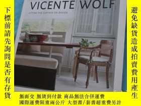 二手書博民逛書店英文原版:VICENTE罕見WOLF:LIFTING THE C
