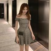 一字領露肩裙子女裝2019夏季新款正韓氣質收腰顯瘦格子百褶洋裝