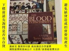 二手書博民逛書店THE罕見BLOOD remembersY303304