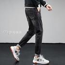 牛仔褲男21春季新款牛仔褲男修身小腳黑色韓版潮流休閒彈力哈倫長褲 快速出貨
