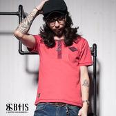 【BTIS】菱形胸章 開襟T-shirt / 梅紅色