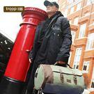 英國傳統的設計風格 使用經典帆布和高檔皮革 展現獨特大方優雅的氣質 尺寸:H25×W45×D25cm