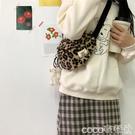 熱賣毛絨包 秋冬季新款豹紋羊羔毛毛絨潮時尚斜背小包包復古女包胸包 coco