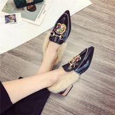 社會女鞋子豆豆鞋2018春秋季新款韓版尖頭粗跟鉚釘一字扣百搭單鞋