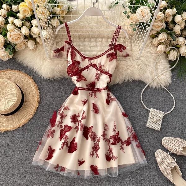 洋裝無袖 夏季新款氣質小洋裝禮服鏤空吊帶超仙女立體蝴蝶網紗連衣裙【限時優惠快速出貨】