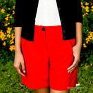 百搭純色短褲 綢緞紋設計 展現低調的優雅 褲口反摺造型 帶點帥氣的LOOK!