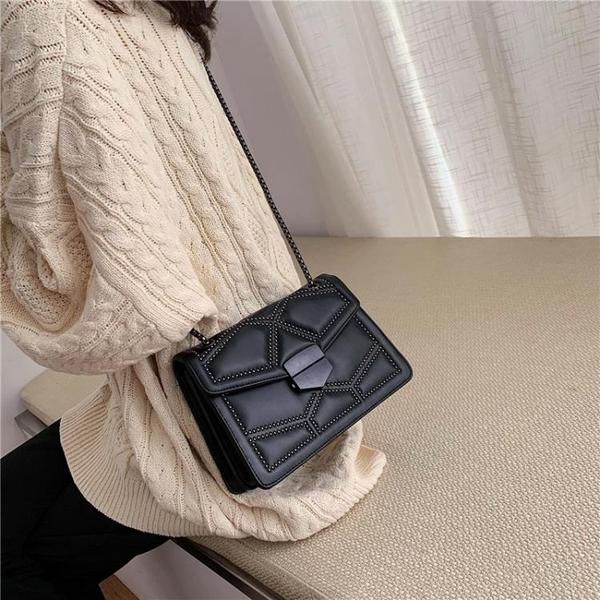 側背包上新小女包包新款潮百搭側背包錬條單肩時尚小方包褶皺包個性