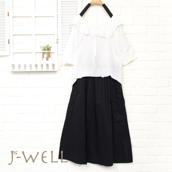 J-WELL 細綁帶荷葉甜美上衣貼口袋裙兩件組 (組合A11  8J1546白F+8J1569黑F)