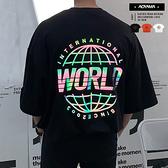 短T WORLD彩色反光地球 韓國製 五分袖落肩短T【A8827】 oversize 情侶 街頭