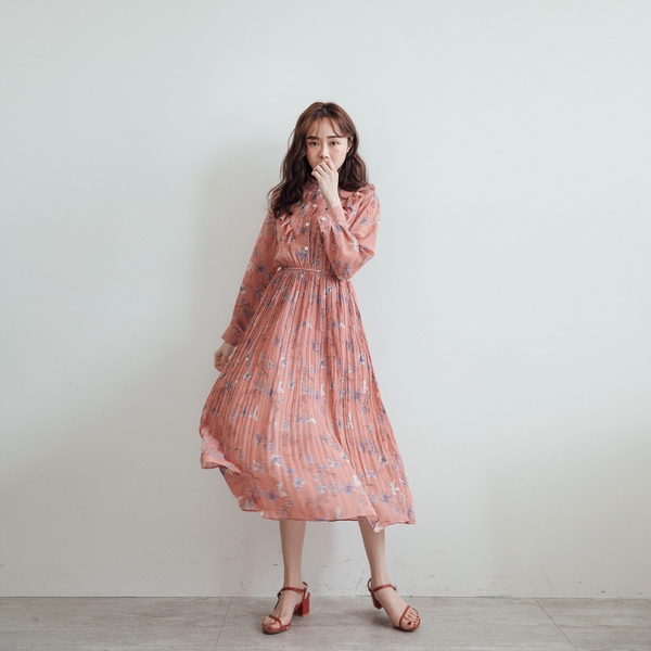 MIUSTAR 花苞領排釦荷葉鬆緊百褶雪紡洋裝(共6色)【NH0009】預購