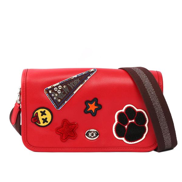 【COACH】皮革補釘系列星星/表情翻蓋斜背包(紅色)F20912 SVDN8