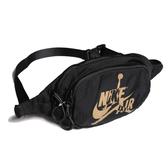 NIKE 腰包 JORDAN JUMPMAN CLASSICS BAG 黑 金 腰包 斜背包 (布魯克林) 9A0260-429