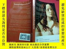二手書博民逛書店EMOTIONAL罕見INTELLIGENCE IN EVERY