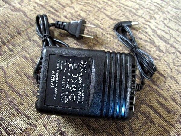 ☆唐尼樂器︵☆ Yamaha DC 12V/ 1A 電子琴變壓器(PSR-E403 等 PSR/ EZ 系列可用)