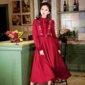 筱辰《思緒》復古立領蝴蝶結刺繡花紅洋裝收腰中長款大擺長裙女 快速出貨
