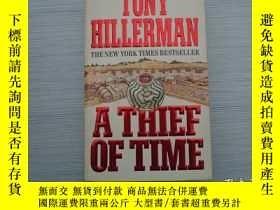二手書博民逛書店A罕見THIEF OF TIME TONY HILLERMAN