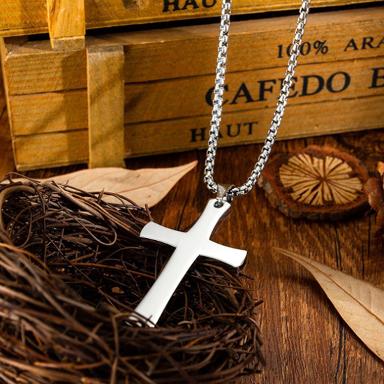 《QBOX 》FASHION 飾品【C20N1624】精緻個性歐美簡約宗教十字架鑄造鈦鋼墬子項鍊/掛飾